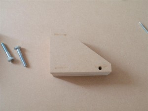 Mounting block brace